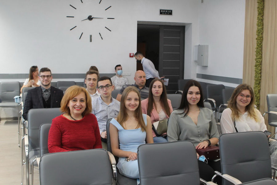 Марцінків нагородив активних випускників медуніверситету 1