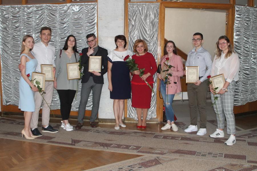 Марцінків нагородив активних випускників медуніверситету 3