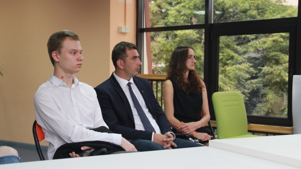 За майбутнє в Івано-Франківську проводить квартирники