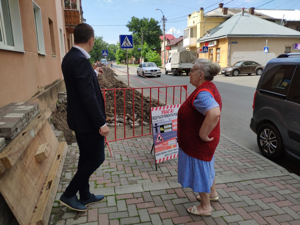 Безгосподарність: вулиці Кармелюка та  Ленкавського знову в руїнах 2