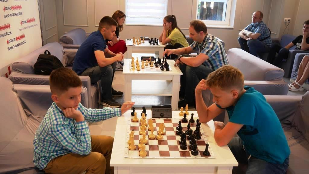 """Молодіжка """"Голосу"""" провела у Франківську шаховий турнір 6"""