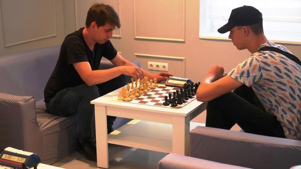 """Молодіжка """"Голосу"""" провела у Франківську шаховий турнір 8"""