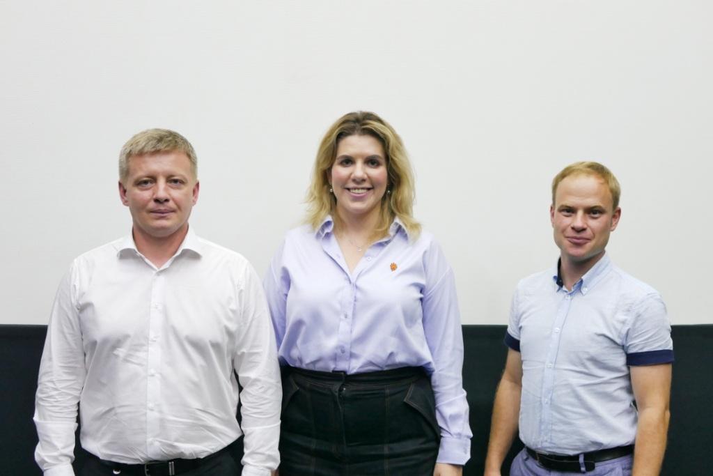Володимир Тищенко з Кірою Рудик і Ярославом Юрчишиним