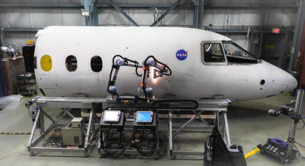 В університеті нафти й газу тестують нового робота-маніпулятора 1