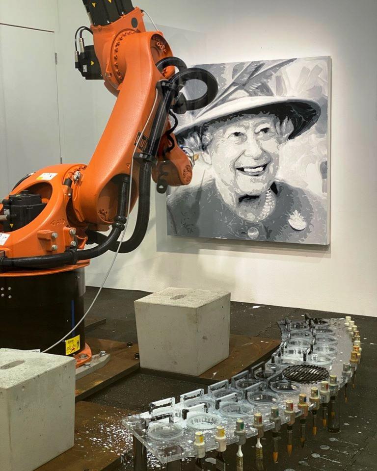 В університеті нафти й газу тестують нового робота-маніпулятора 4