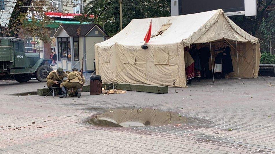 З гарматами та кулеметами. У Франківську відтворили бій НКВС із УПА 2