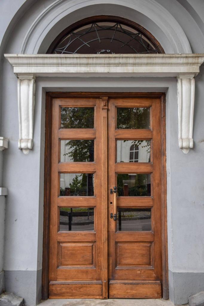 Франківська пам'ятка архітектури отримала реставровані за 58 000 двері 1