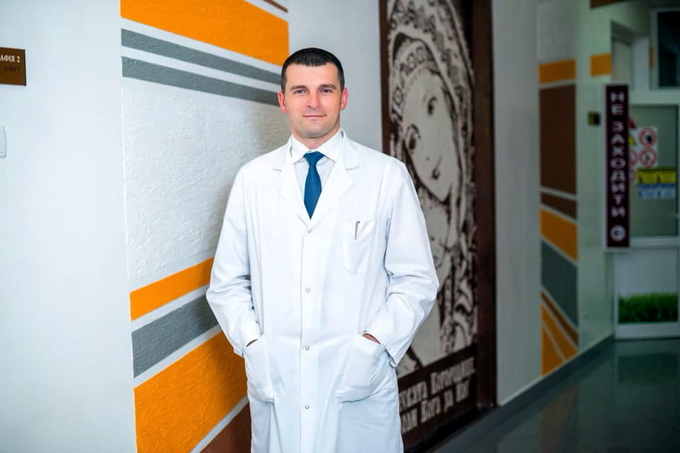 хірург Олег Атаманюк
