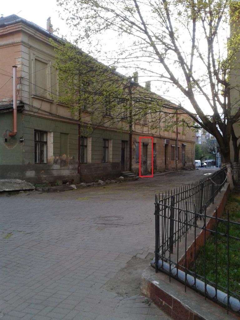 """Співзасновниця фірми """"Надія"""" розіграла зі своєю бухгалтеркою аукціон на приміщення у центрі Франківська 2"""
