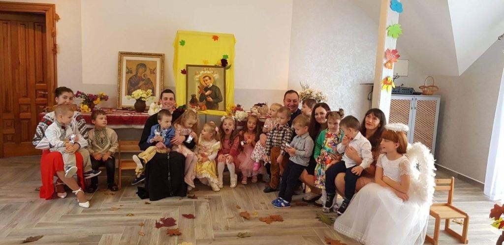 катехетична школа в Івано-Франківську при монастирі редемптористів