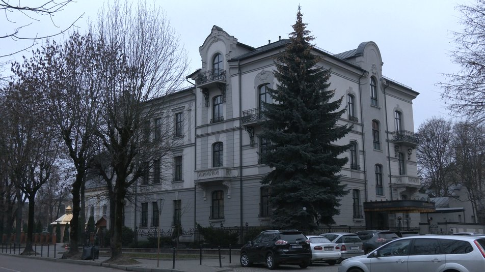 У Франківську суд виключив будівлю на площі Ринок з реєстру пам'яток 1