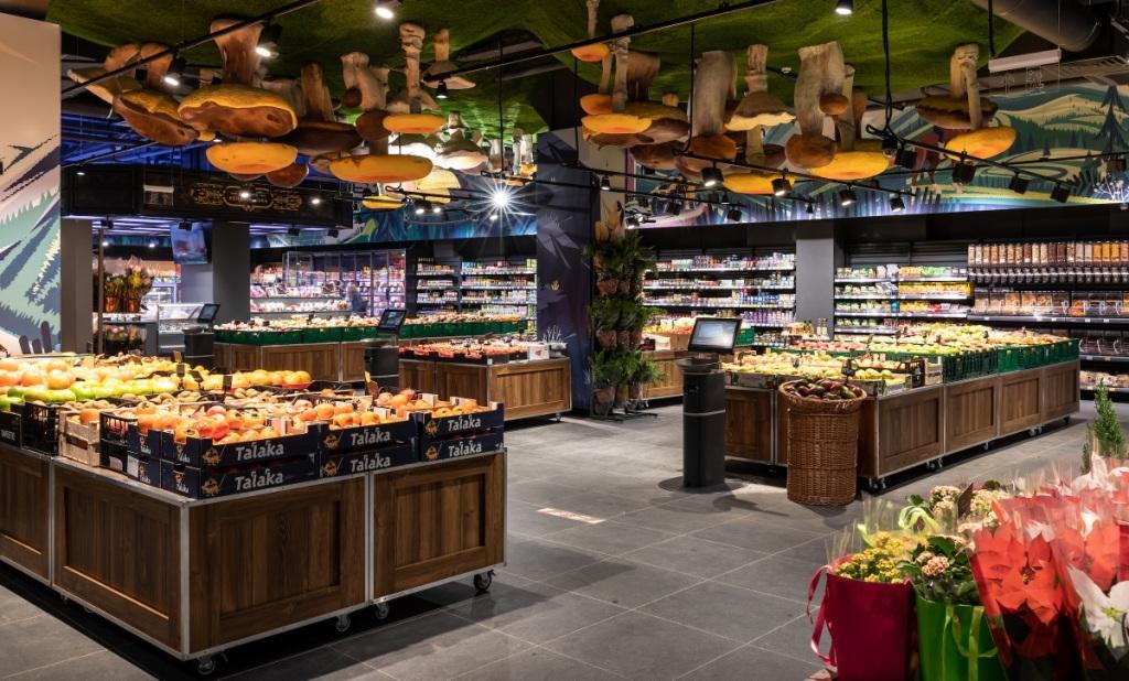 У франківському супермаркеті Сільпо на стелі виросли гриби