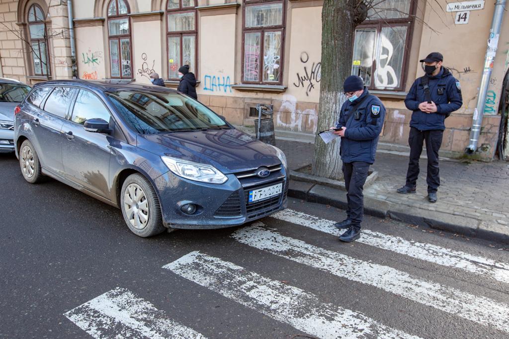 Інспекторам з паркування у Франківську куплять евакуатор 1