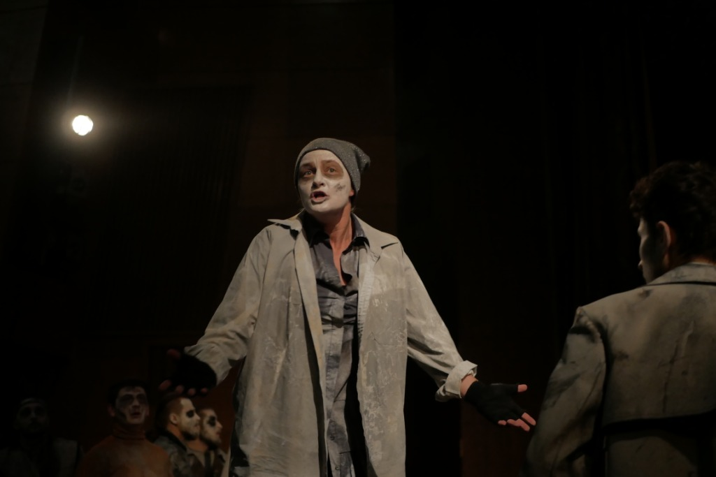 """новаторська постановка """"Едіпа"""" у виконанні франківського драмтеатру"""