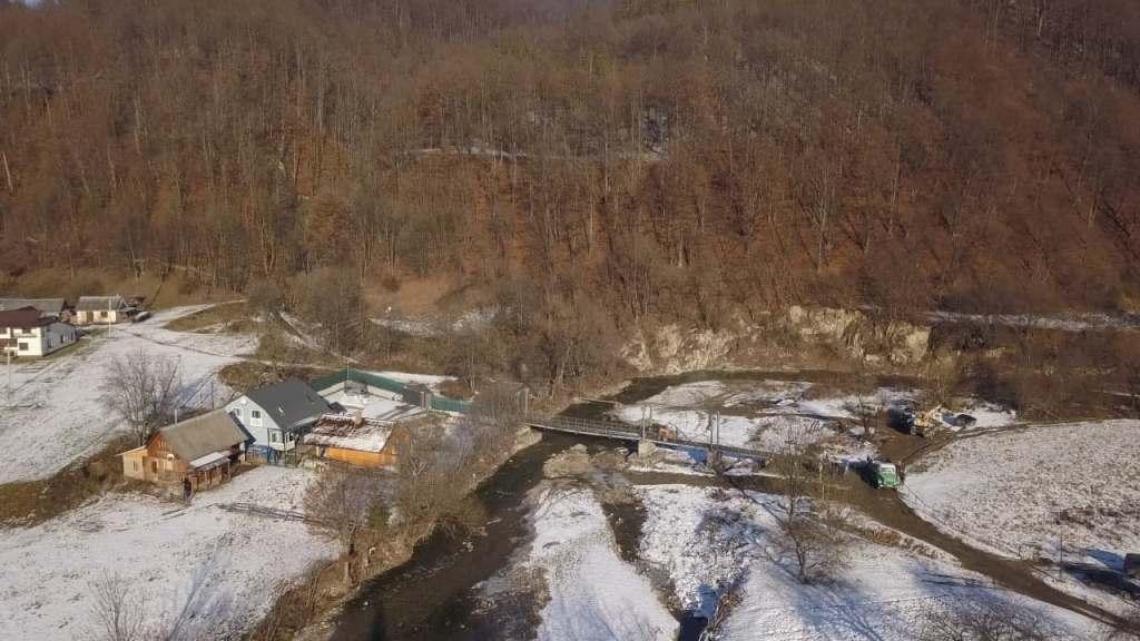 В Шешора новий міст через річку