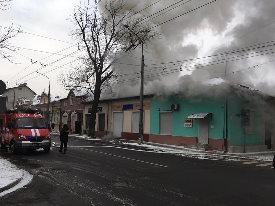 На Лепкого велика пожежа, рух вулицею перекрито. ВІДЕО 3