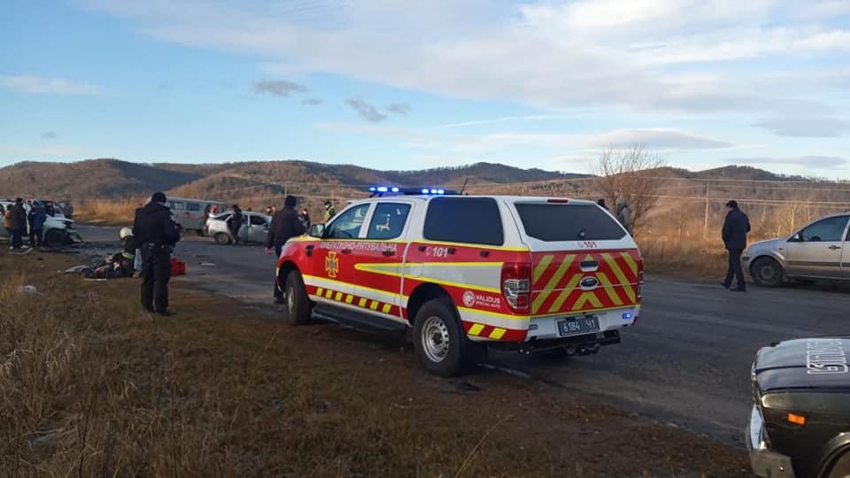 На Долинщині зіткнулися авто - загинула 13-річна дівчинка, четверо в лікарні 3
