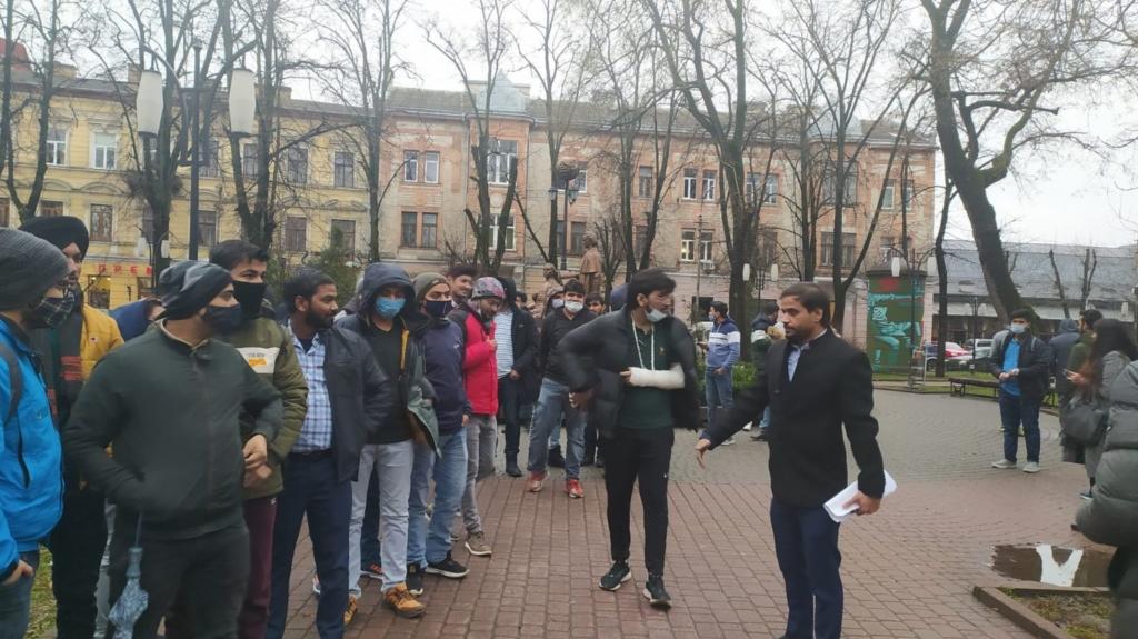У Франківську студенти-індуси потерпають від нападів пакистанців 5