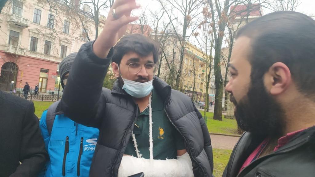 У Франківську студенти-індуси потерпають від нападів пакистанців 4