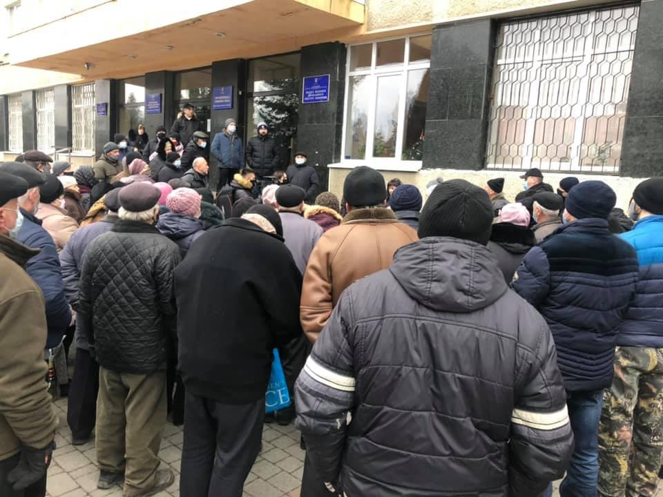 """У Франківську """"тарифного майдану"""" не сталося: на протест вийшли до пів сотні людей 5"""