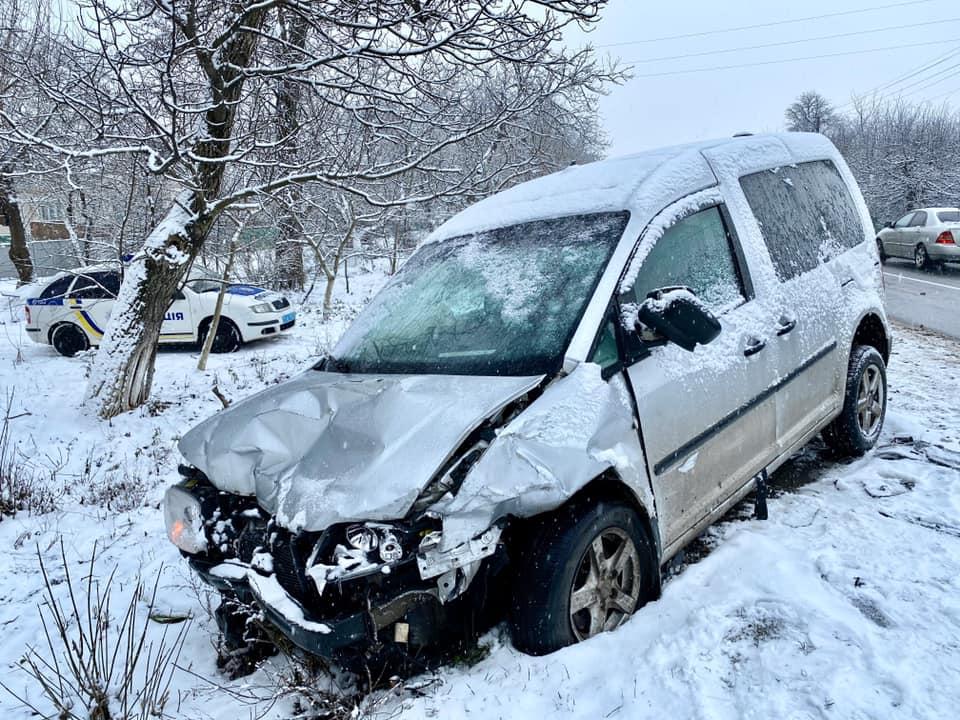 На Прикарпатті внаслідок  ДТП загинула 30-річна жінка 1
