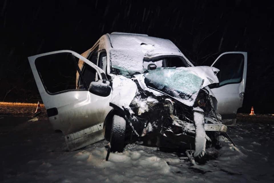 5 травмованих: деталі аварії за участю рейсового автобуса на Коломийщині 1