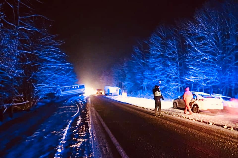 5 травмованих: деталі аварії за участю рейсового автобуса на Коломийщині 3