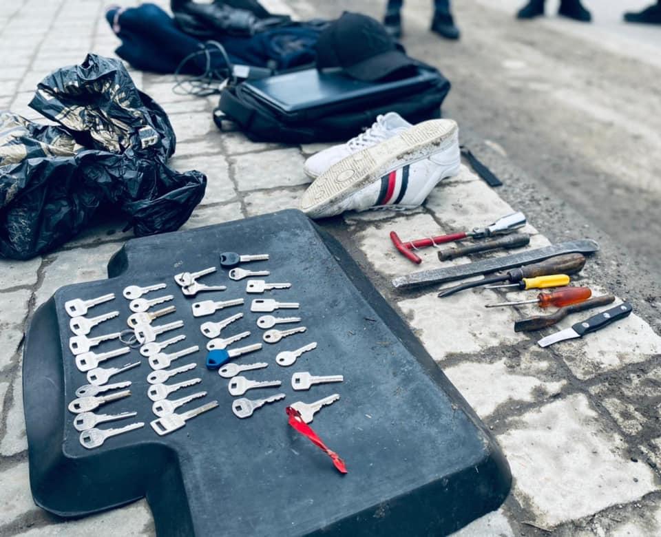 У Франківську затримали чоловіка, який обкрадав офіси 1