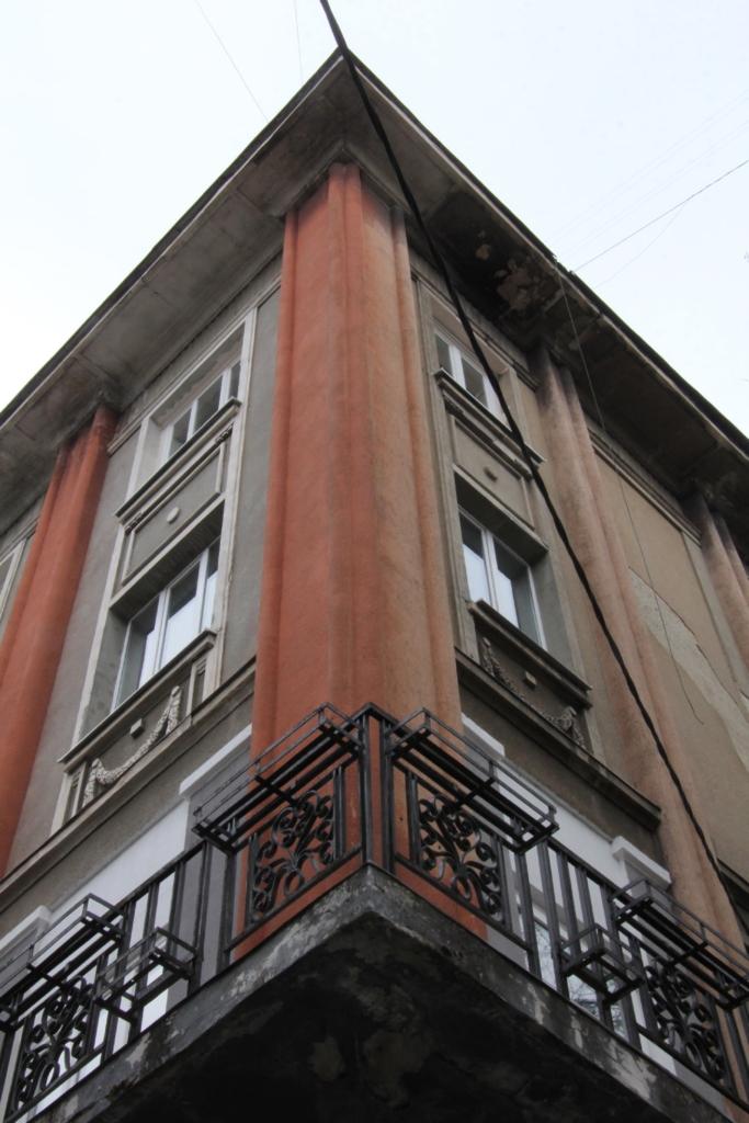 Готель Дністер з вулиці Шевченка