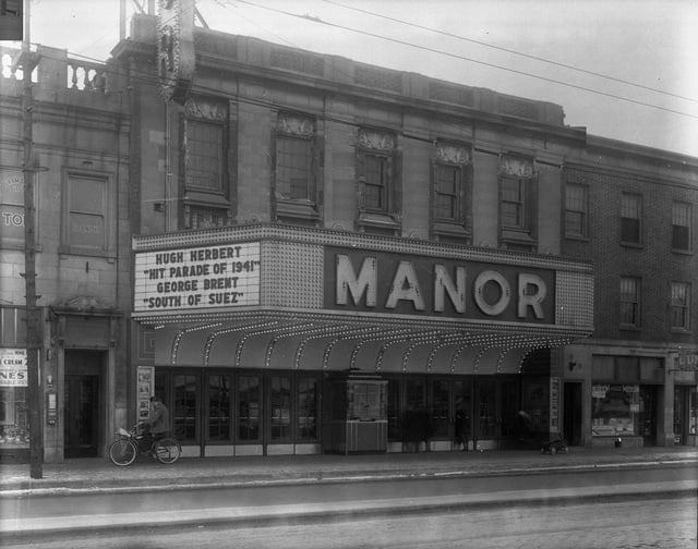Фред Януш спроектував у Чикаго три кінотеатри