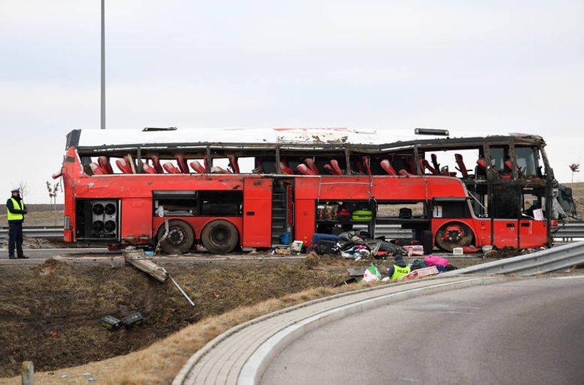Автобус з українцями потрапив у ДТП в Польщі – шестеро загиблих та десятки травмованих 4