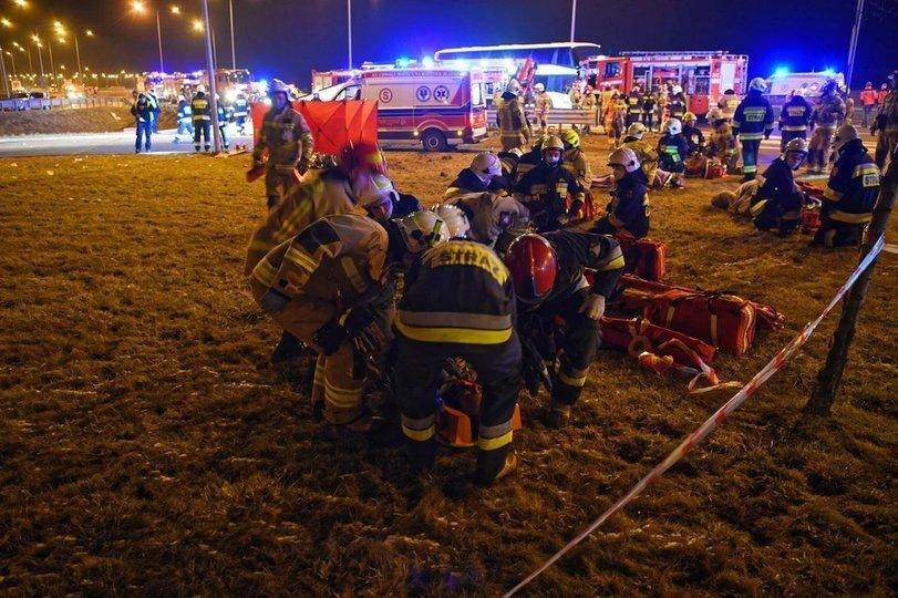 Автобус з українцями потрапив у ДТП в Польщі – шестеро загиблих та десятки травмованих 3