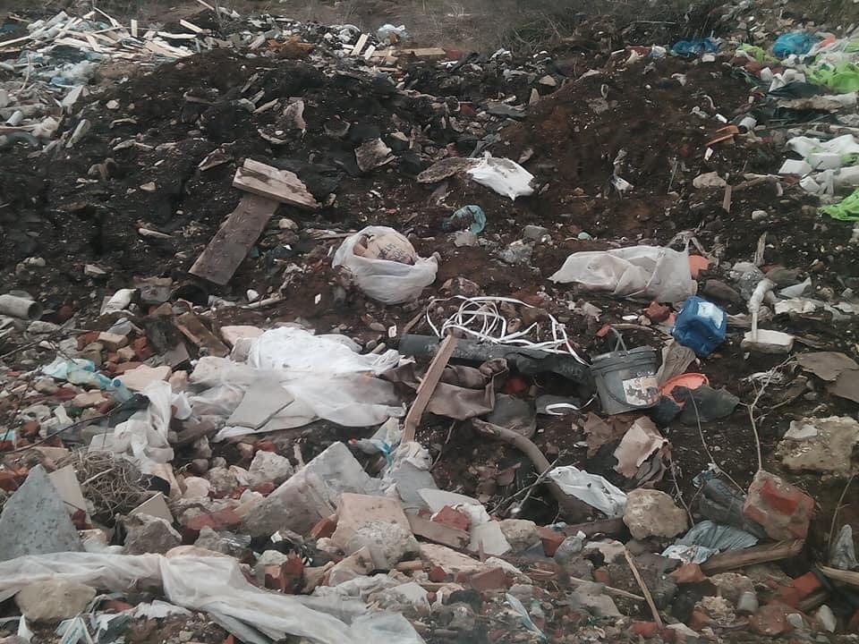 Мешканці Підлужжя можуть перекрити дорогу, якщо в село не перестануть звозити будівельне сміття 3