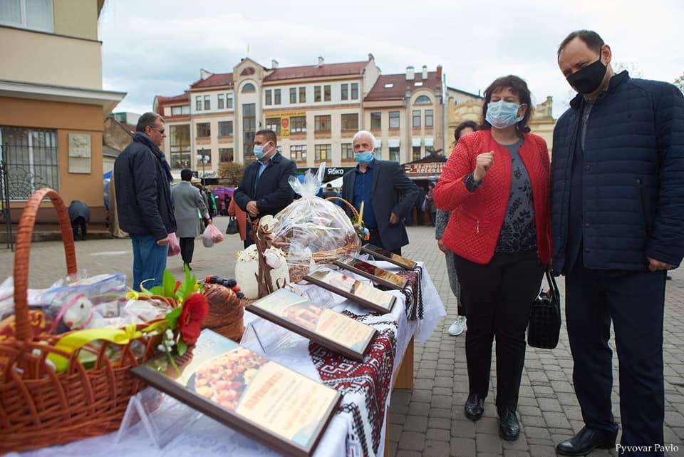 Визначили переможців конкурсу смаколиків на Великодньому ярмарку у Франківську 2