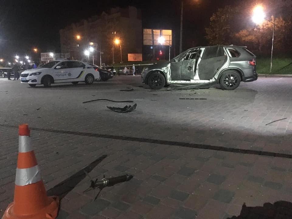 У Франківську з протитанкового гранатомета обстріляли BMW Х5. ОНОВЛЕНО 3