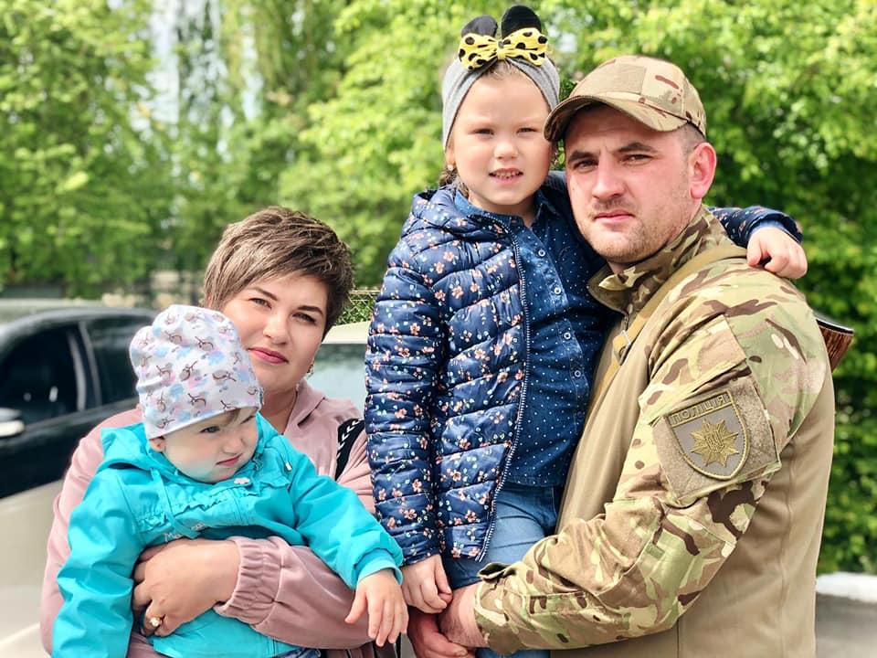 З зони війни до Франківська повернувся загін поліцейських 4
