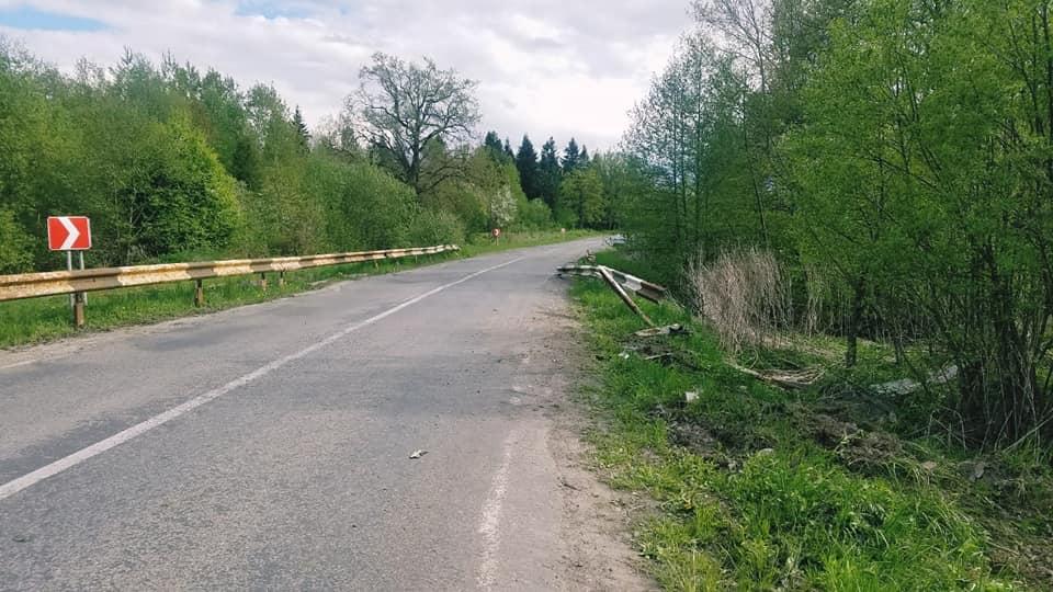 Водій був п'яний: поліція розслідує ДТП на Богородчанщині, в якій загинув 25-річний чоловік 2