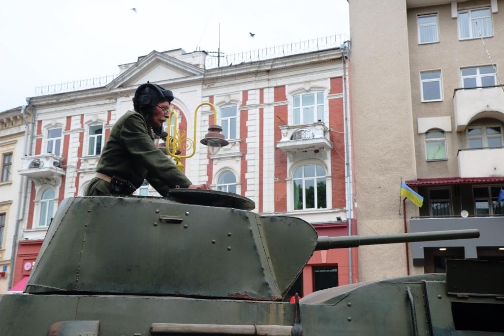 Марш Слави УПА та реконструкція бою: як у Франківську вшанували День Героїв 3