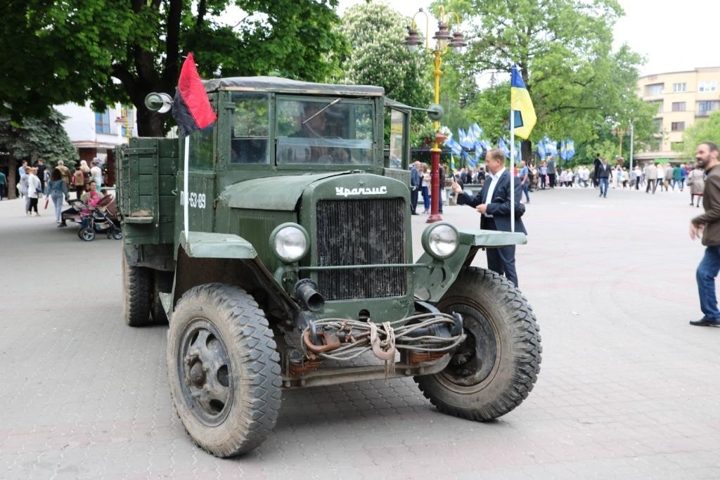 Марш Слави УПА та реконструкція бою: як у Франківську вшанували День Героїв 4