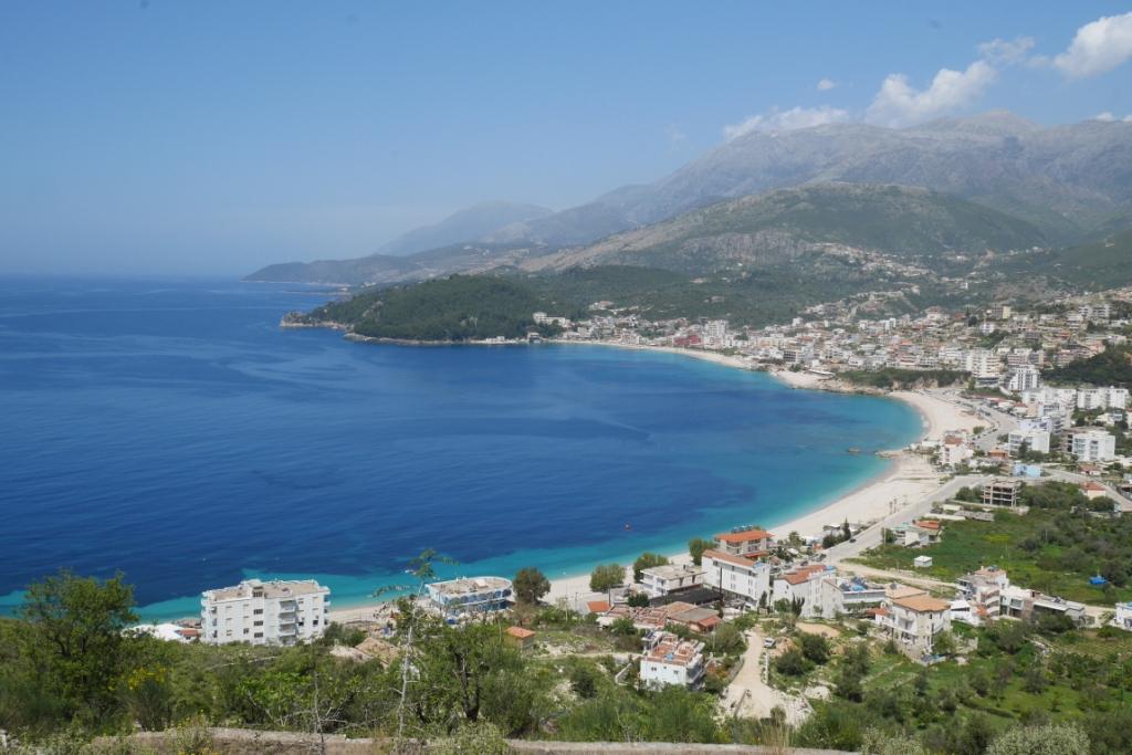 їхати чи не їхати в Албанію