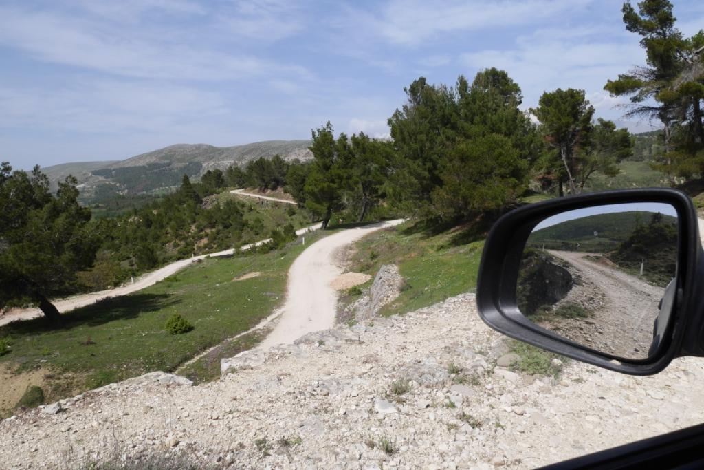 другорядні дороги в Абанії - грунтові
