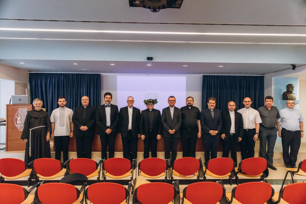 Священник з Франківська захистив докторську в Римі 3