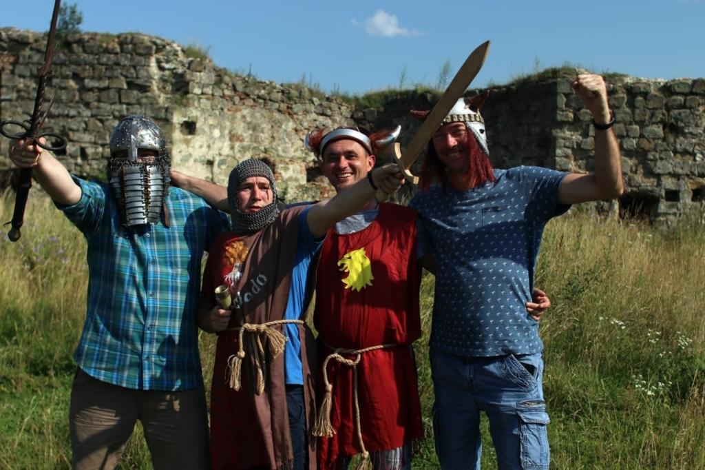 Ветеранів з родинами по-лицарськи реабілітували у Пнівському замку 3