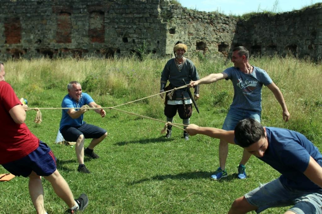 Ветеранів з родинами по-лицарськи реабілітували у Пнівському замку 9