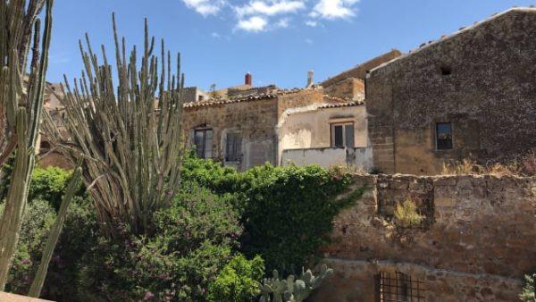 Італійське місто Самбука продає полишені будинки за два євро 3