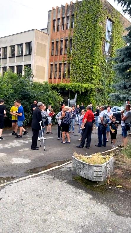 У Франківську мешканці багатоповерхівки перекрили Незалежності – Угорницьку, бо їм вимкнули електрику 3