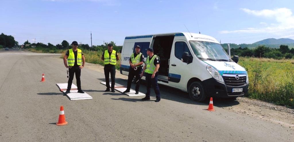 Укртрансбезпека вперше на Прикарпатті оштрафувала вантажівку з щебенем за надмірну вагу 1