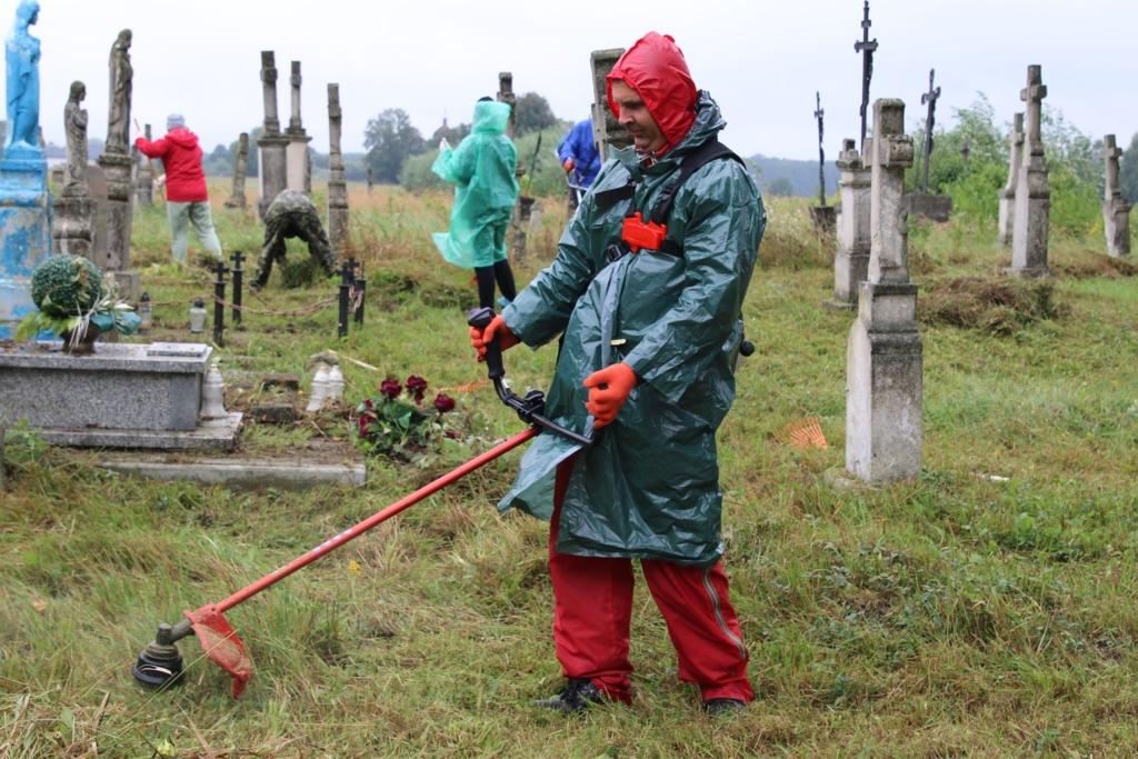 Франківці впорядкували у Польщі сім цвинтарів, де знайшли спочинок Січові стрільці, вояки УГА та УПА 2