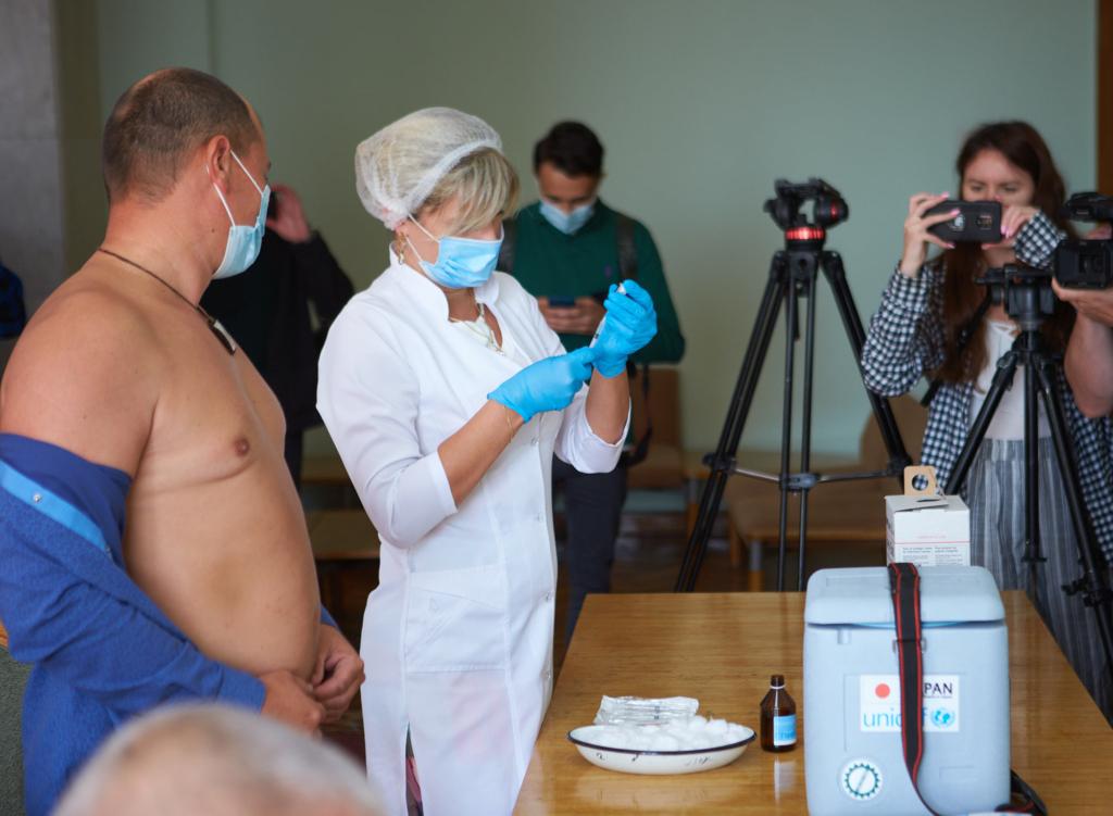 Депутатів Франківської міськради вакцинували під час сесії 2