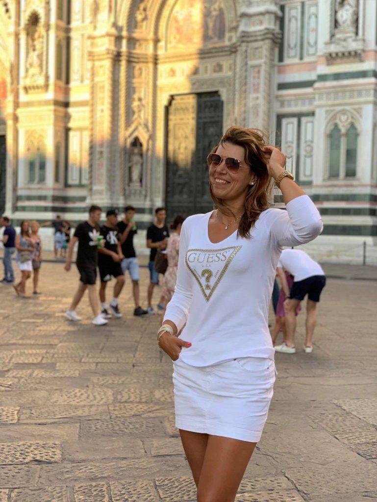 Медсестра Зоряна Белей з Франківська перемогла в італійському конкурсі краси Miss badante-2021 1